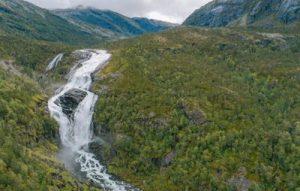 Panorámica de las cascadas de Husedalen