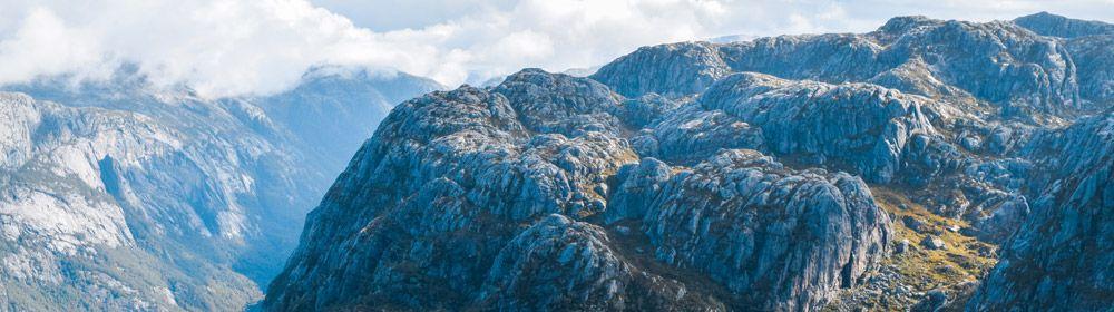 Impresionante vista de las montañas de Kjerag