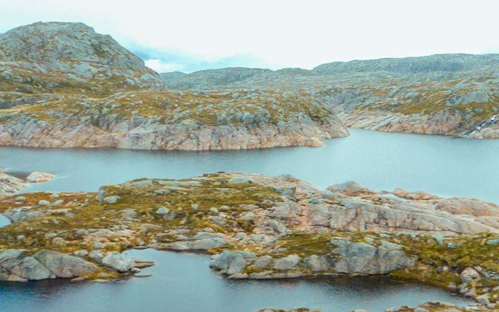 Lagunas en la ruta hacia Kjeragbolten