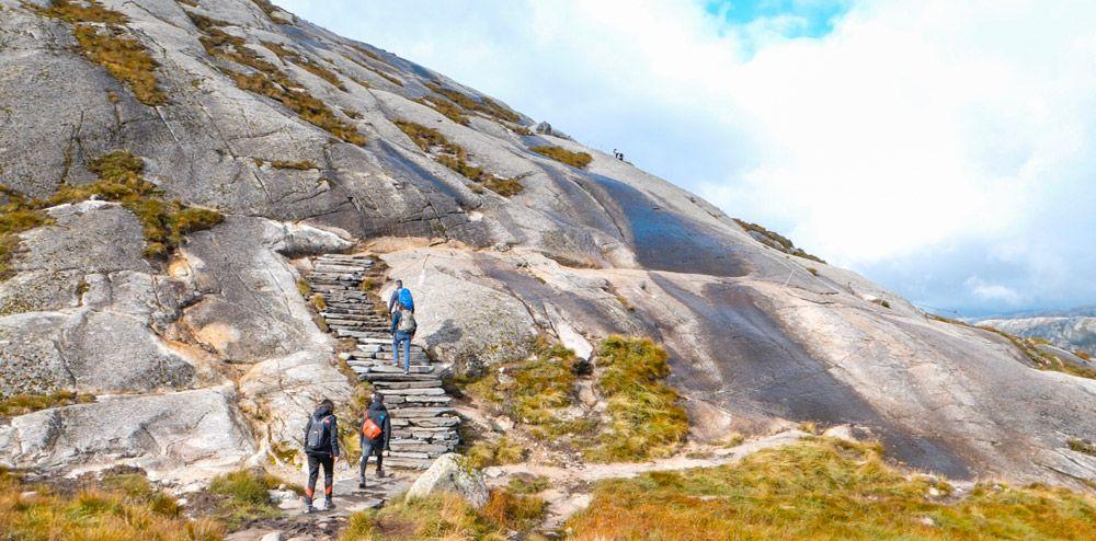 inicio de la ruta por Kjerag