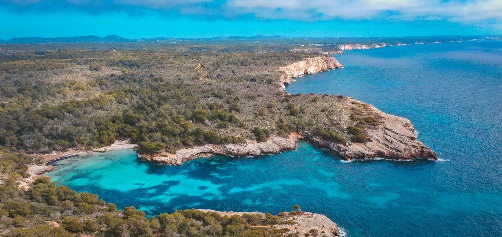 La costa se puede recorrer en Menorca en 4 días