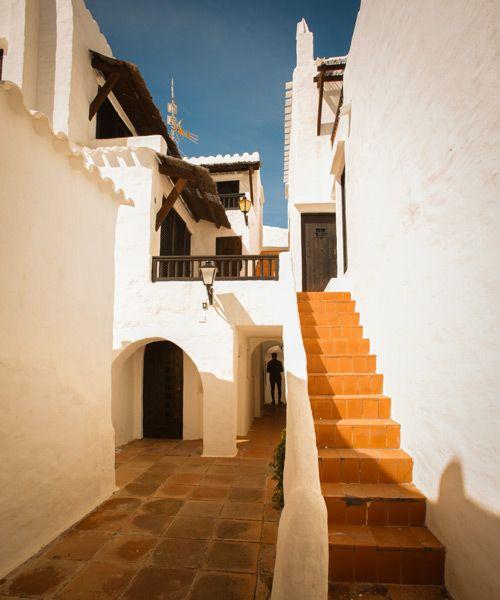 escaleras de Binibeca