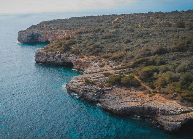El GR de Cala Turqueta a vista de dron