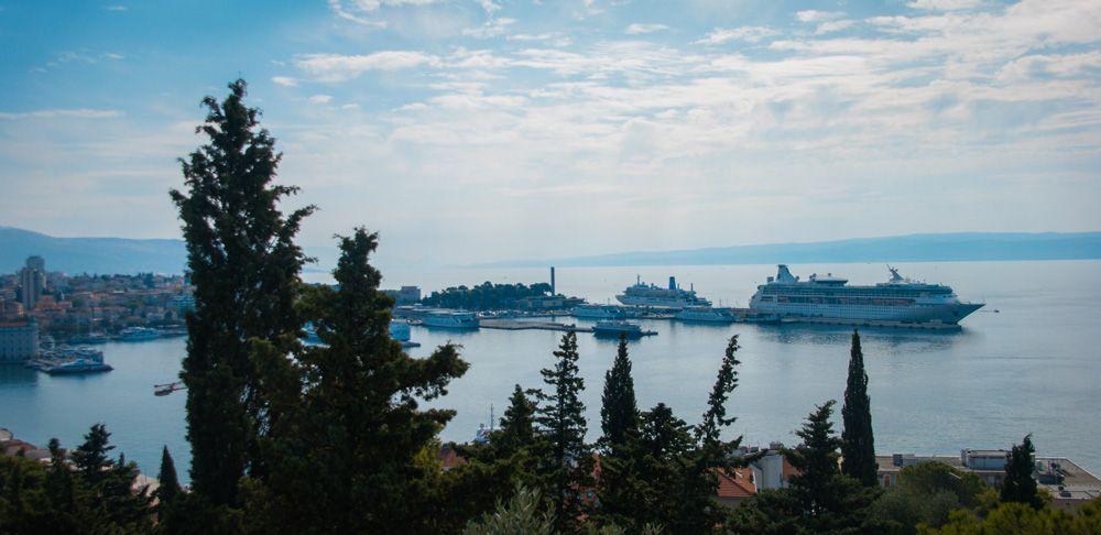 Cruceros atracados en el puerto de Split