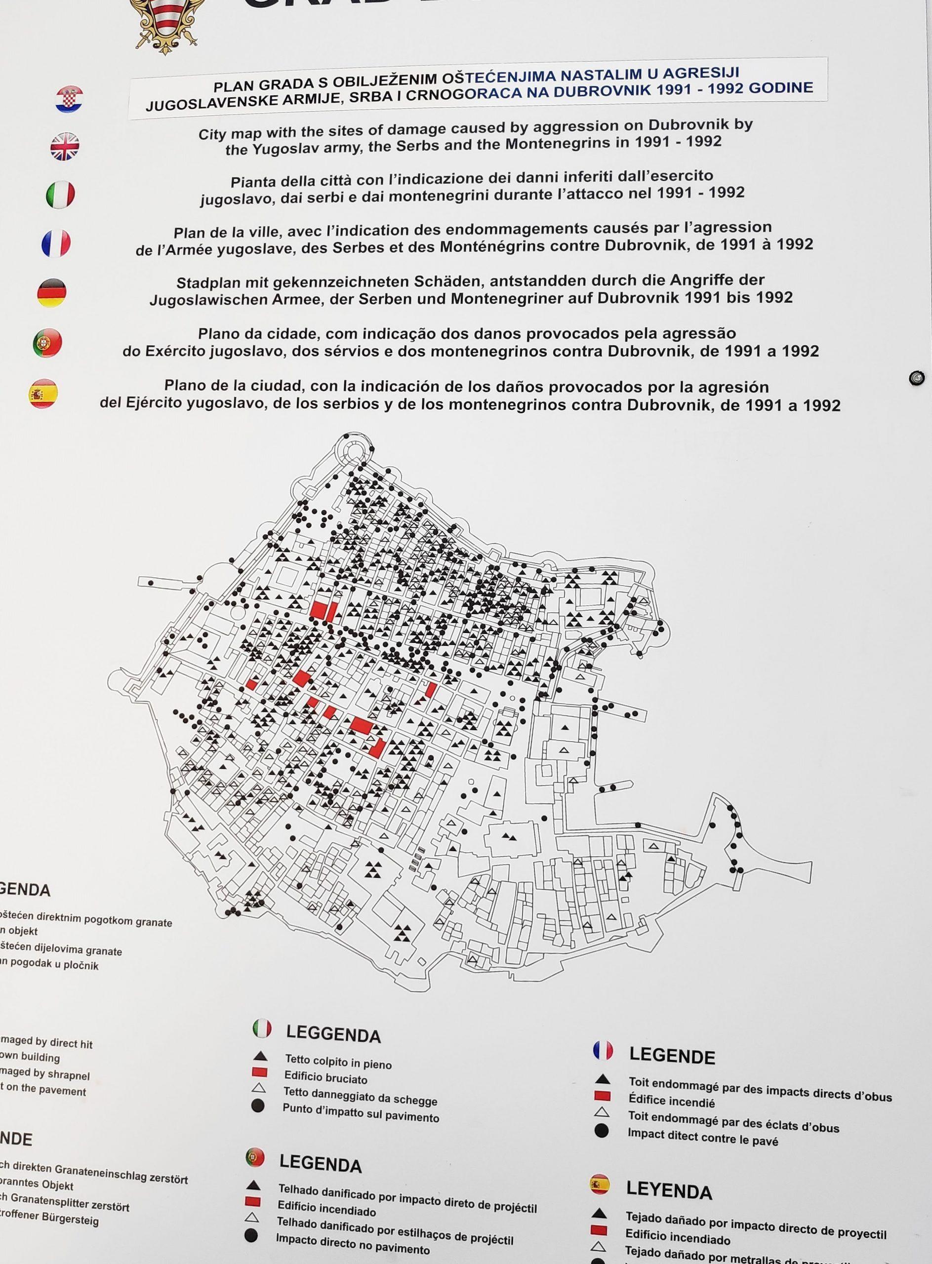 Mapa de Dubrovnik que marca las zonas de caída de las bombas a la ciudad