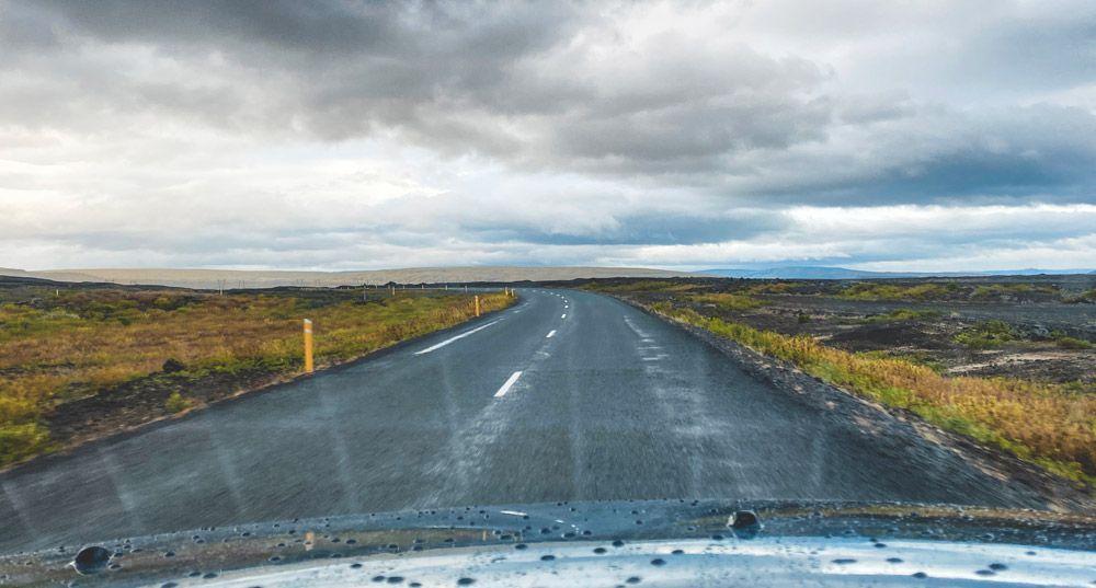 El mejor vehículo de alquiler para moverse por islandia es un suv