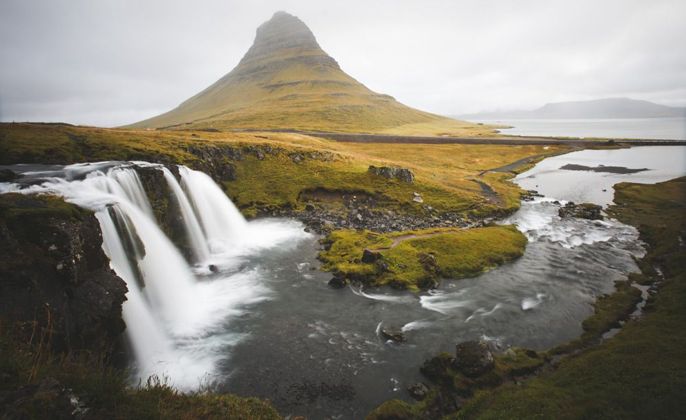 como llegar a la cascada kirkjufell de islandia