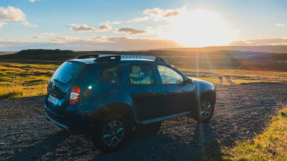 Nuestra eleccion para alquilar un coche en islandia es sin duda un dacia duster