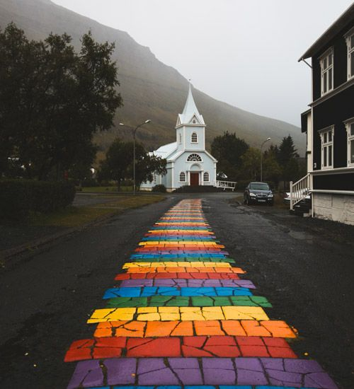 ver la iglesia de seydisfjordur