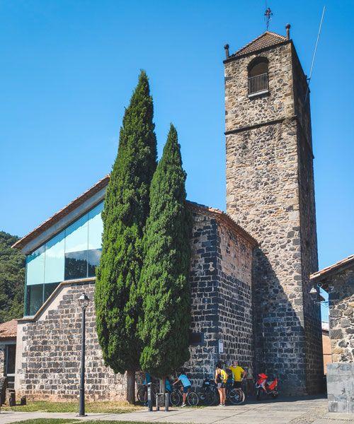 L'esglesia de Castellfollit de la Roca