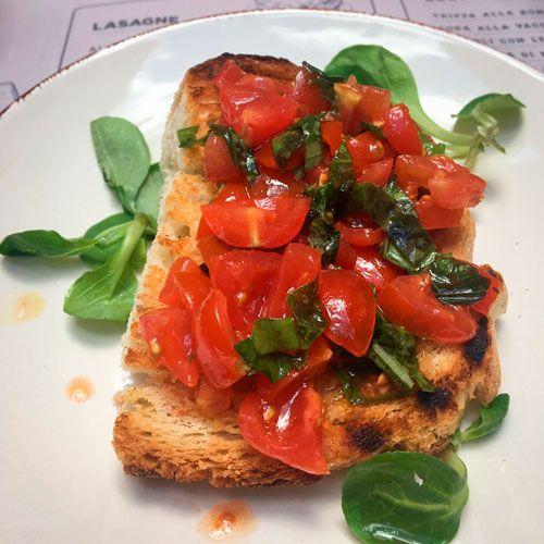 Pan con ensalada de Roma