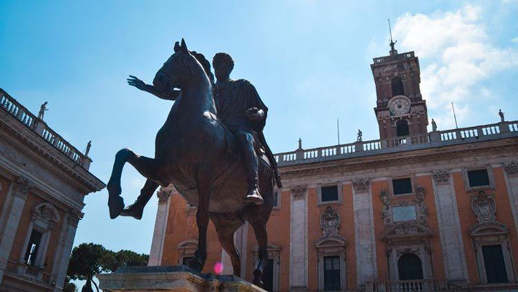 Estatua de la ciudad de Roma