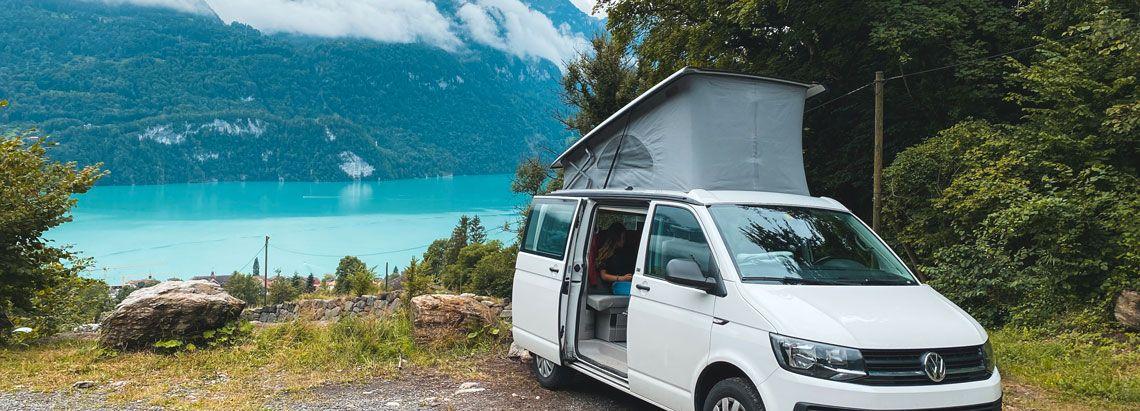 nuestra camper aparcada en suiza